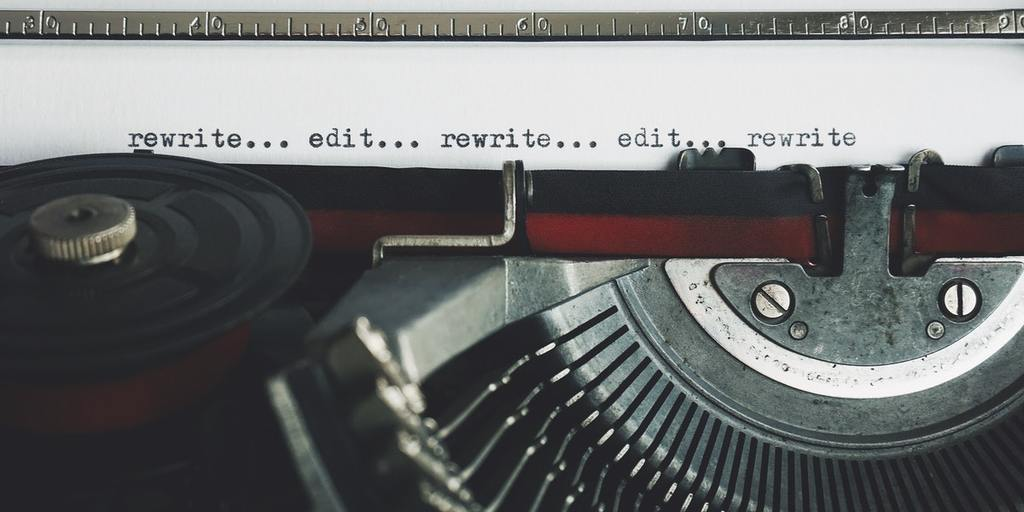 rewrite-edit-text-on-a-typewriter-featured-image-hemingway-editor